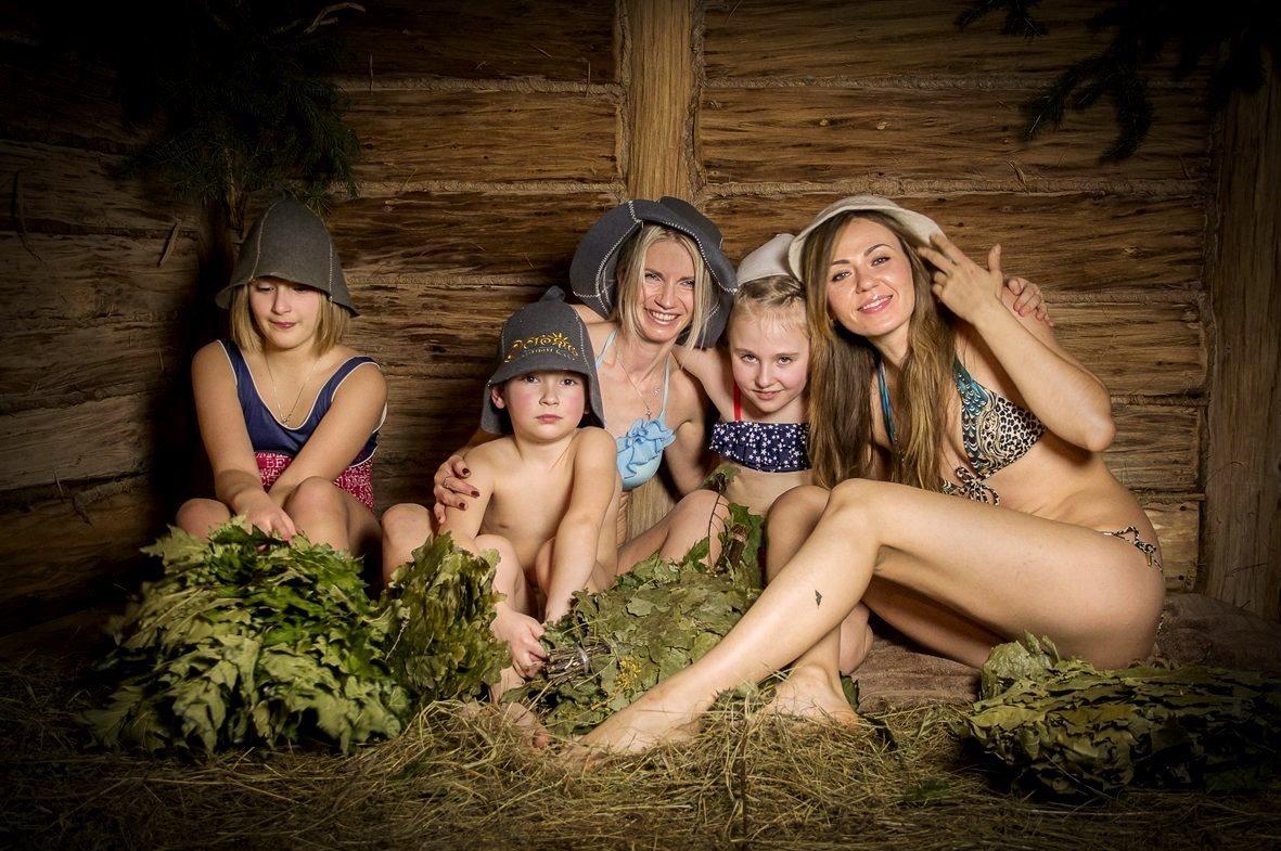 бани голые семьи видео - 9